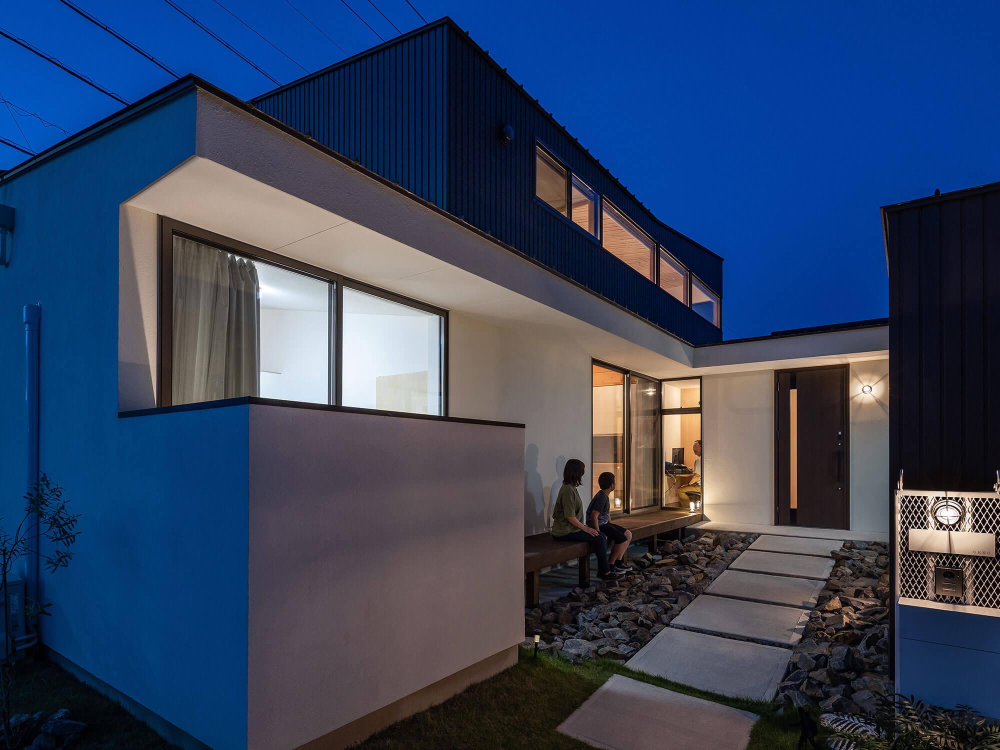 軒と縁側がつなぐ家07|犬山市の施工事例|建築家×工務店